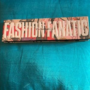 Fashion Fanatic MAC eyeshadow pallet